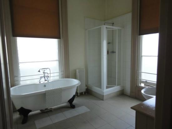 Loch Fyne Milsoms Hotel: Lovely Bathroom
