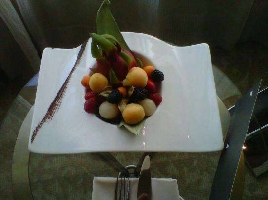 InterContinental Abu Dhabi: Fruit Platter