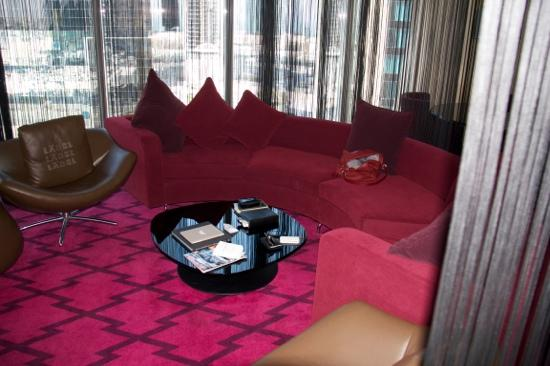 W Doha Hotel & Residences: the living of the Wow suite