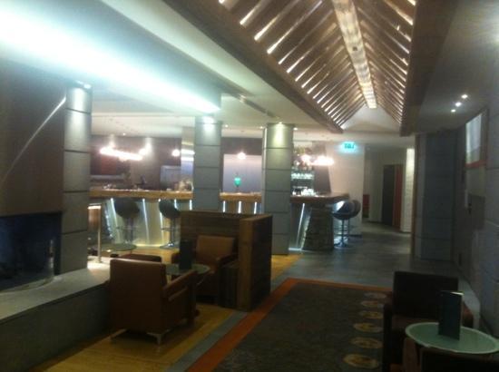 Hotel Au Coeur du Village: salon d accueil