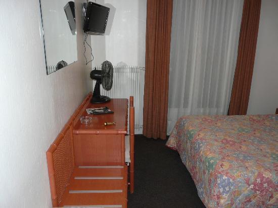 ABC Champerret: Habitación hotel