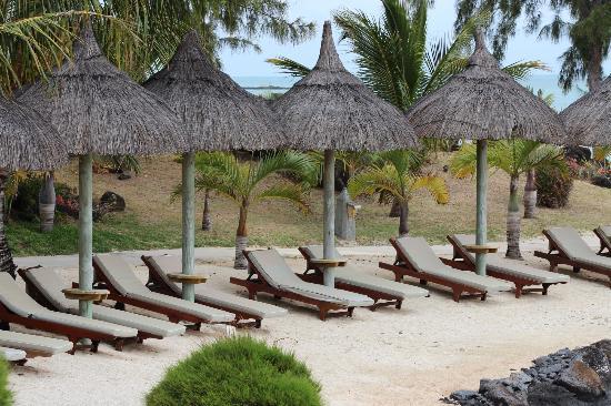 LUX* Grand Gaube: Beach Area