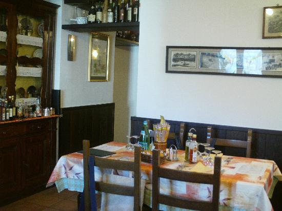 Antico Ristorante Drago : Tavolo in saletta appartata