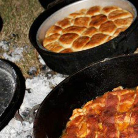 Grady's Line Camp Steakhouse: Chuckwagon available
