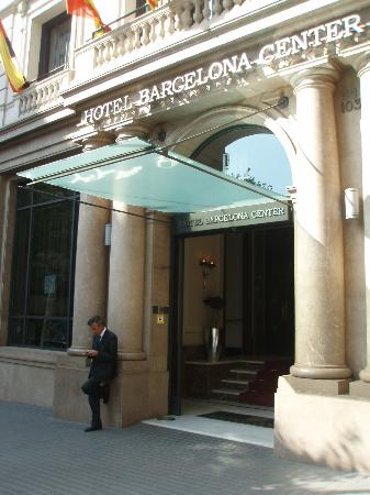 Barcelona Center Hotel: Entrance