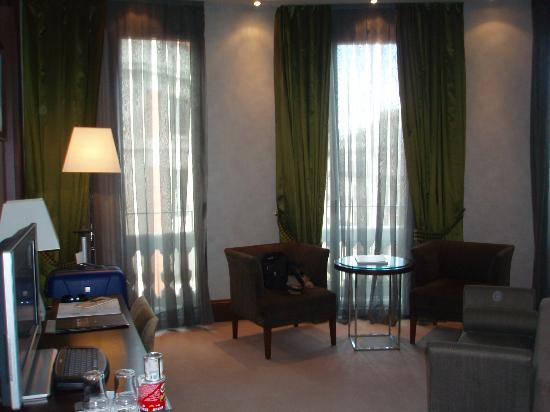 Barcelona Center Hotel: The room
