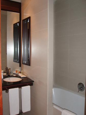 Barcelona Center Hotel: Bathroom