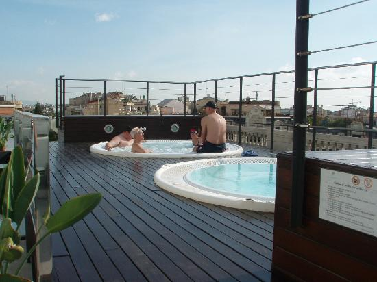 Hotel Barcelona Center: Roof terrace with jacuzzi