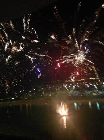 Friday Night Fireworks at Hilton Hawaiian Village Waikiki Beach Resort: what a great show!