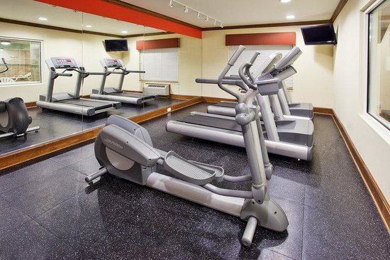 Holiday Inn Express & Suites Fitness Room