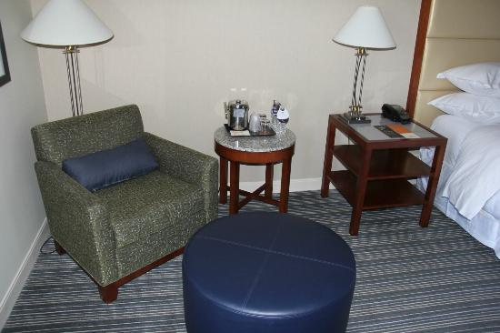 good reading chair light picture of sheraton kansas city hotel at