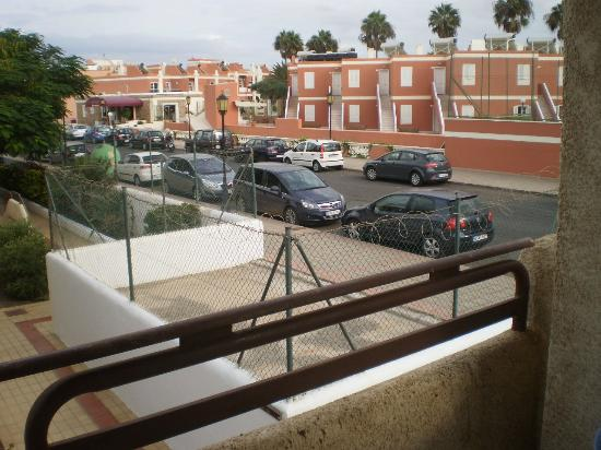 Fuentepark Apartamentos: View of razor wire & busy road from our balcony!