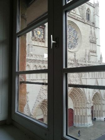 Apart'Observatoire Saint Jean : view from the kitchen window