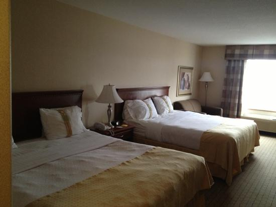 Holiday Inn Express Regina South: 2 king size bedroom