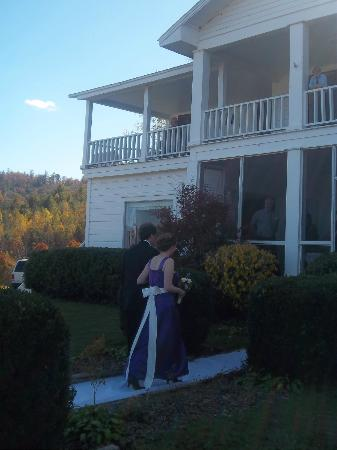 The Pines Country Inn: Wedding at the Inn