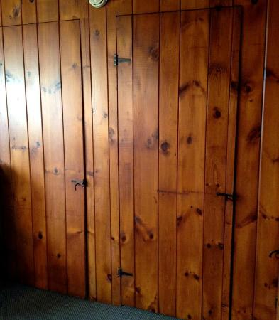 Diamond Cove Cottages: Classic Adirondack sytle - old school cabins. These are the bedroom doors