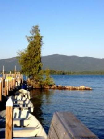Diamond Cove Cottages: sitting on a bench on the dock enjoying the afternoon