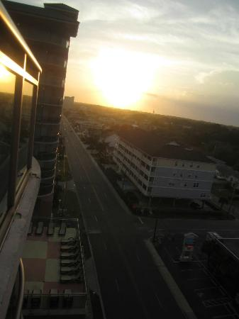 Atlantic Breeze Ocean Resort, Oceana Resorts: Sunset from hotel