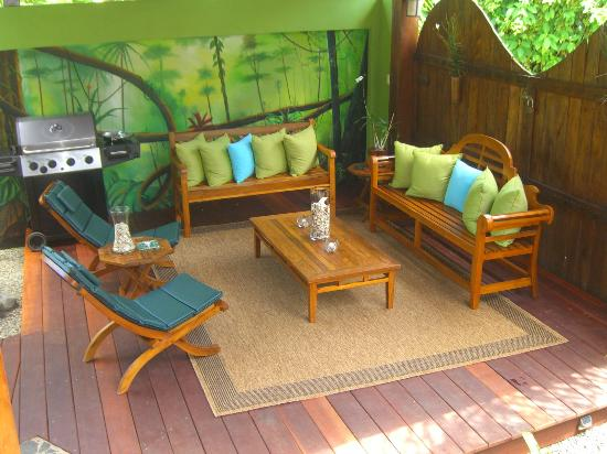Physis Caribbean Bed & Breakfast: Gorgeous new relaxation area, sooo comfortable!