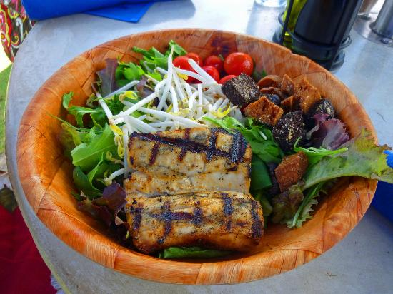 Hanalei Dolphin: Catch of the day salad