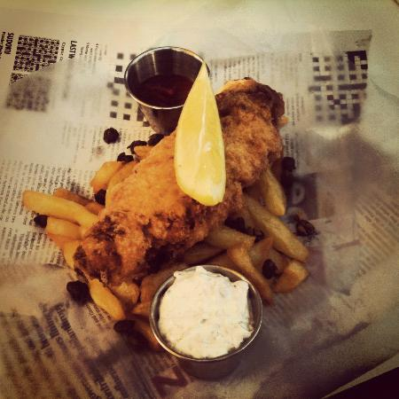 Honey Badger Bistro: Fish and Chips! The sourcream dip was AMAZING!