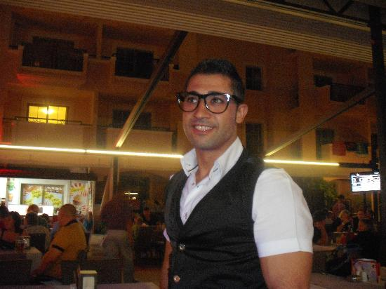 Club Aida: Yilmaz (head waiter)