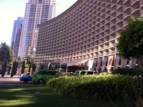 Hyatt Regency Century Plaza: front of hotel