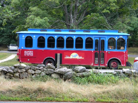The Liberty Ride trolley bus at the North Bridge