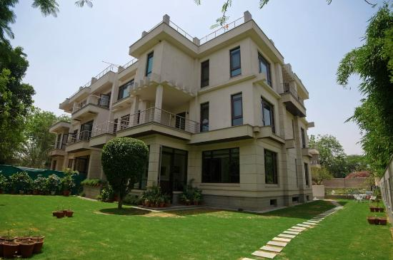 76 Friends Colony: Front Facade