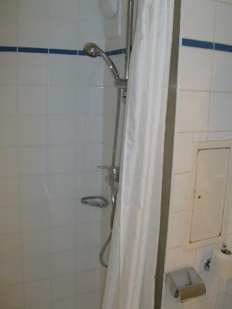 Timhotel Opera Madeleine: Shower