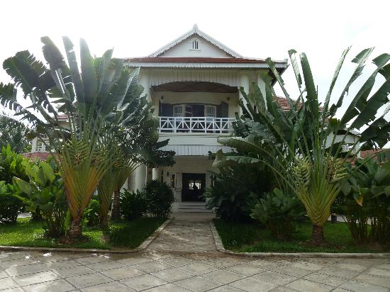 The Luang Say Residence: The front of the hotel