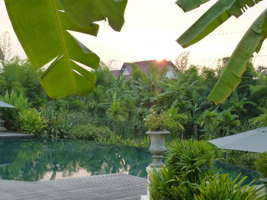 The Luang Say Residence: The swimming pool