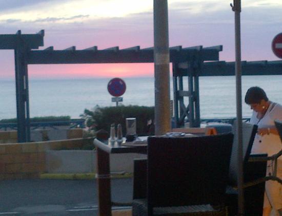 Coucher de soleil depuis la terrasse de La Villa Margalex