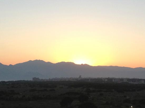 Barut Lara: Sunset.