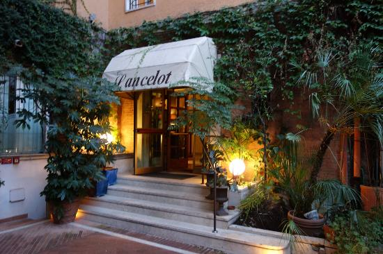 Hotel Lancelot: Lancelot welcomes you