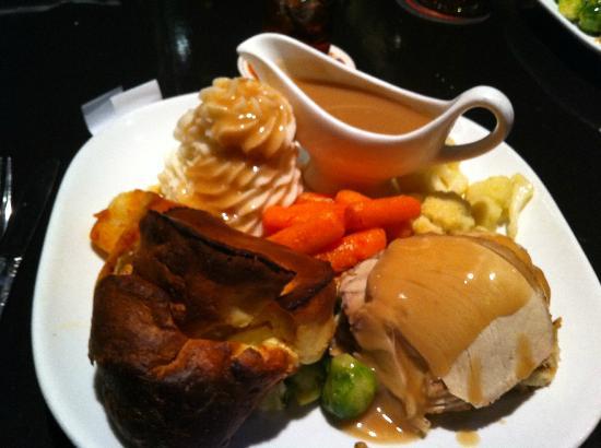 wicked vicky tavern full turkey british christmas dinner yumm - British Christmas Dinner