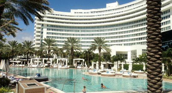 Chateau Building Picture Of Fontainebleau Miami Beach