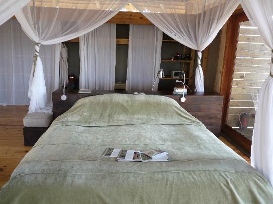 Wilderness Safaris Vumbura Plains Camp: Bedroom