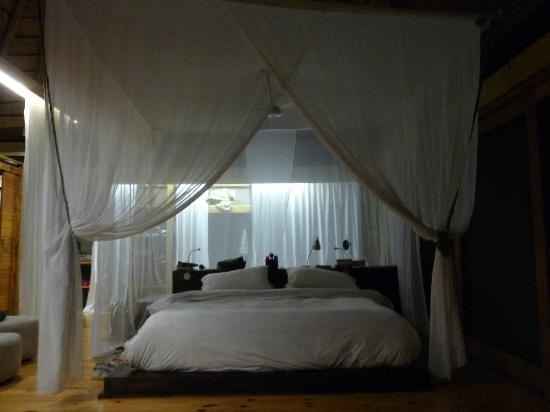 Wilderness Safaris Vumbura Plains Camp: Bedroom