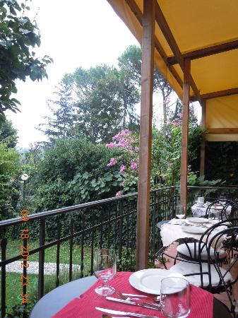 SanGaggio House: Breakfast on the terrace
