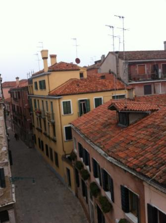 Hotel Ca' Zusto Venezia: View from the 3rd floor of the hotel