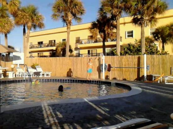 Madeira Norte Condos: funtime pool