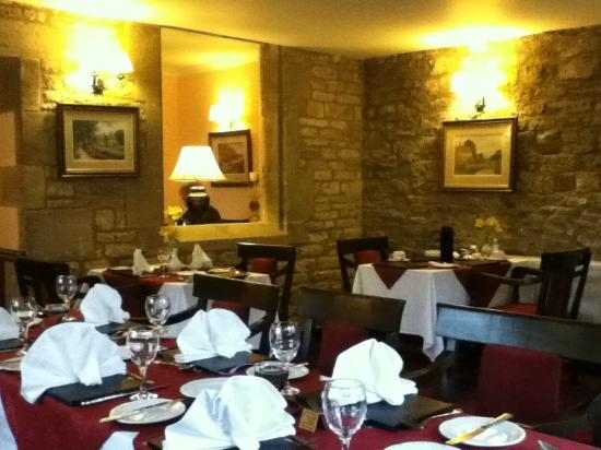 Stow Lodge Hotel: The beautiful dining room