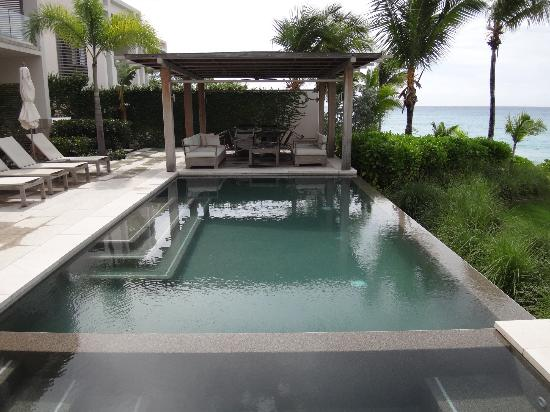 Four Seasons Resort and Residences Anguilla: Pool/spa in villa.