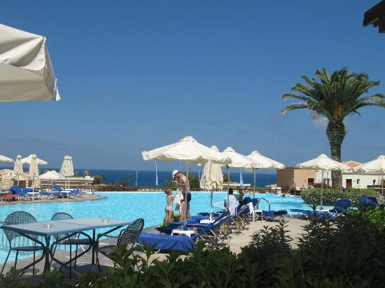 Grecotel Club Marine Palace: Main pool and view towards the sea