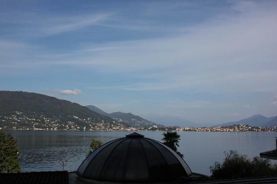Grand Hotel Dino: Viaje de Pilar Pérez. Vista del lago maggiori desde la habitacion.