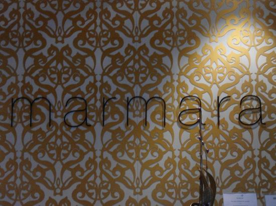 Marmara Hotel Budapest: Parede da recepção