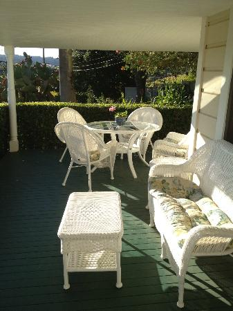 The Raford Inn Bed and Breakfast: Private patio of the Angelica room