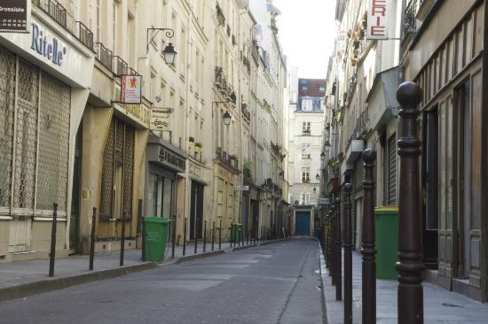 Rue chapon picture of le marais paris tripadvisor - Location marais paris ...