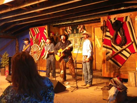 Bar-T-5 Covered Wagon Cookout : Dinner and music